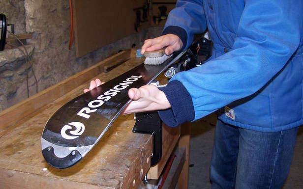 Comment préparer ses skis avant la saison ?