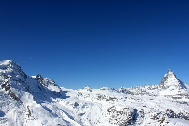Panorama z Gornergrat w kierunku Breithornu, Małego Matterhornu i Matterhornu  - © Skiinfo.de/Sebastian Lindemeyer