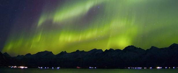 Mit etwas Glück könnt ihr in Norwegen auch die Polarlichter bewundern
