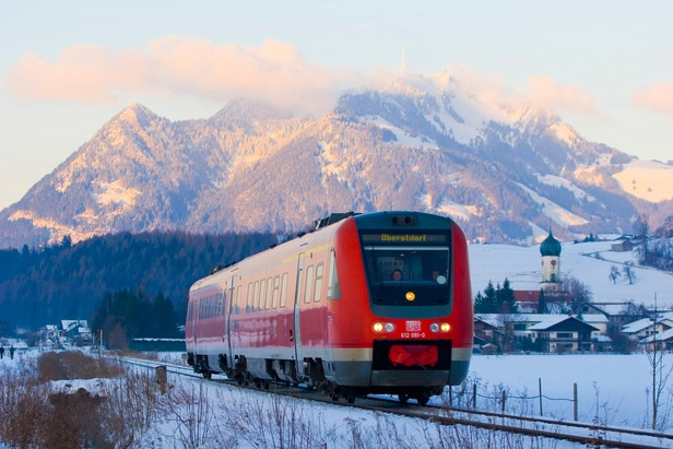 Regionalexpress zwischen Sonthofen und Oberstdorf im Allgäu