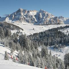 Dolomiti Superski - Ski safari. Credit Alta Badia Tourism - © Alta Badia