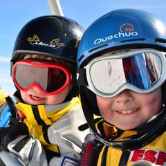 A Aussois, au printemps, les températures sont plus douces, les prix plus bas mais le plaisir du ski toujours bien présent... - ©Arc en Ciel photos / OT d'Aussois