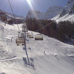 Skvelé podmienky v Dolomitoch zvádzajú na jarnú lyžovačku