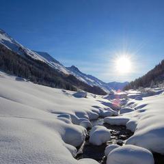 Freeride w Alpach: 10 najlepszych ośrodków do jazdy poza trasami - ©Destination Davos Klosters/Stefan Schlumpf