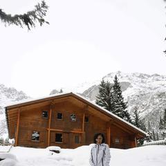 Die Neue-Alpl-Hütte von Osten - der Schnee sollte inzwischen deutlich weniger geworden sein. - ©Peter Freiberger