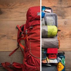 Wer den Rucksack richtig packt, spart sich auf Tour viel Stress - © REI