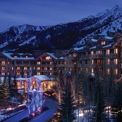Luxury Lodges for Family Spring Skiing - ©Don Riddle/Four Seasons Jackson Hole