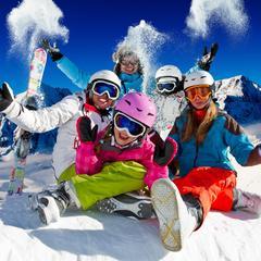 Najlepšie rodinné lyžiarske strediská ponúkajú zábavu na snehu pre návštevníkov každého veku! - © Gorilla - Fotolia.com