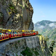 Pyreneje: Slavný turistický vlak Artouste zahájil svou 84. sezónu