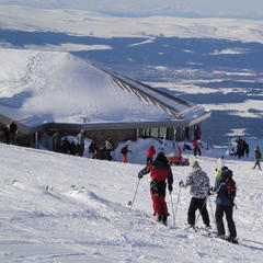 Scotland is a good bet for skiers this year - ©Cairngorm Mountain