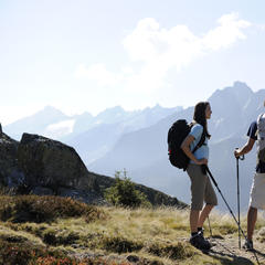 CMH Heli-Hiking Redefines Summer Vacation - ©Mayrhofner Bergbahnen
