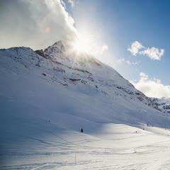 Diese wunderbare Panoramapiste führt vom Schwarzsee zur Staffelalp und dann hinab nach Furi und Zermatt - © Skiinfo | Sebastian Lindemeyer