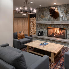 Luxury lodging at Alta, Utah - © Courtesy of Snowpine Lodge