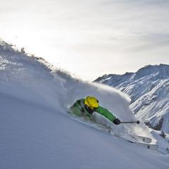Special Skitechnik: Richtig Skifahren im Tiefschnee  - ©Skylotec