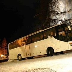 Take a ski bus to the Alps - ©SkiBus