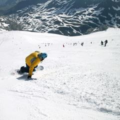 Hitting the slopes in snowsure Tignes - © Tignes Tourism