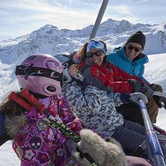 Skier hors vacances scolaires : avantages et inconvénients - ©OT Tignes - Tristan Shu