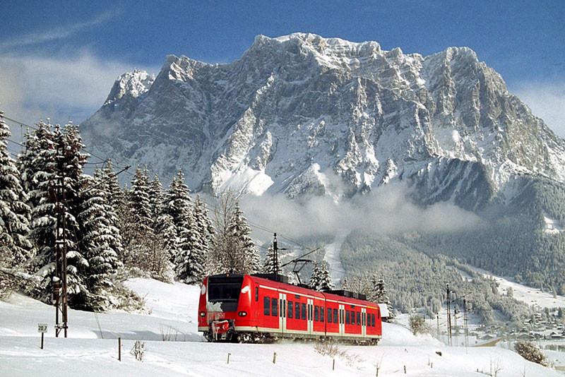 Der Schneeexpress in der Tiroler Zugspitz Arena